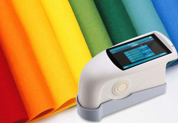 应用三角度光泽度测试仪检测皮革表面光泽